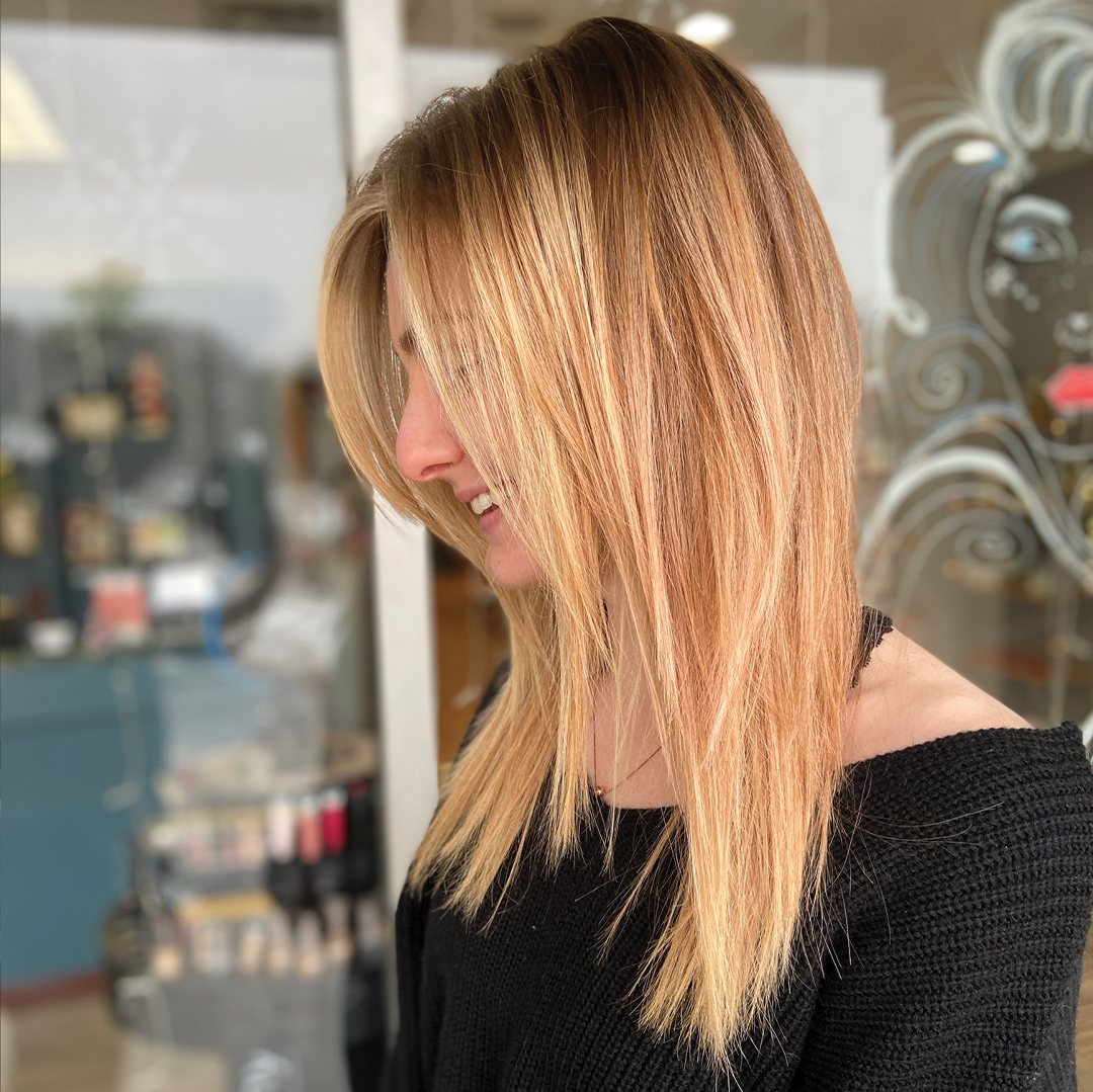 blonde shoulder length hair cut