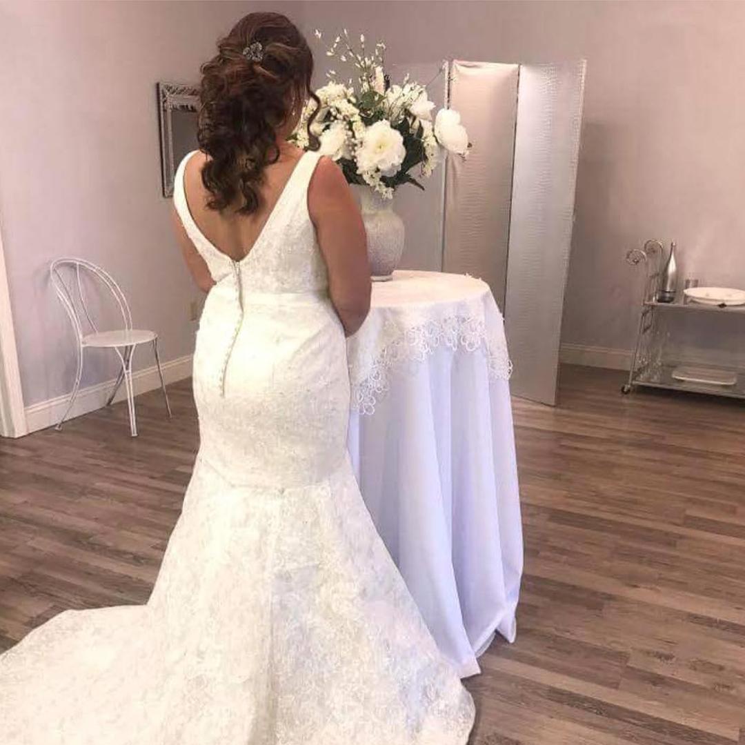 Bride in the L Salon Bridal suite