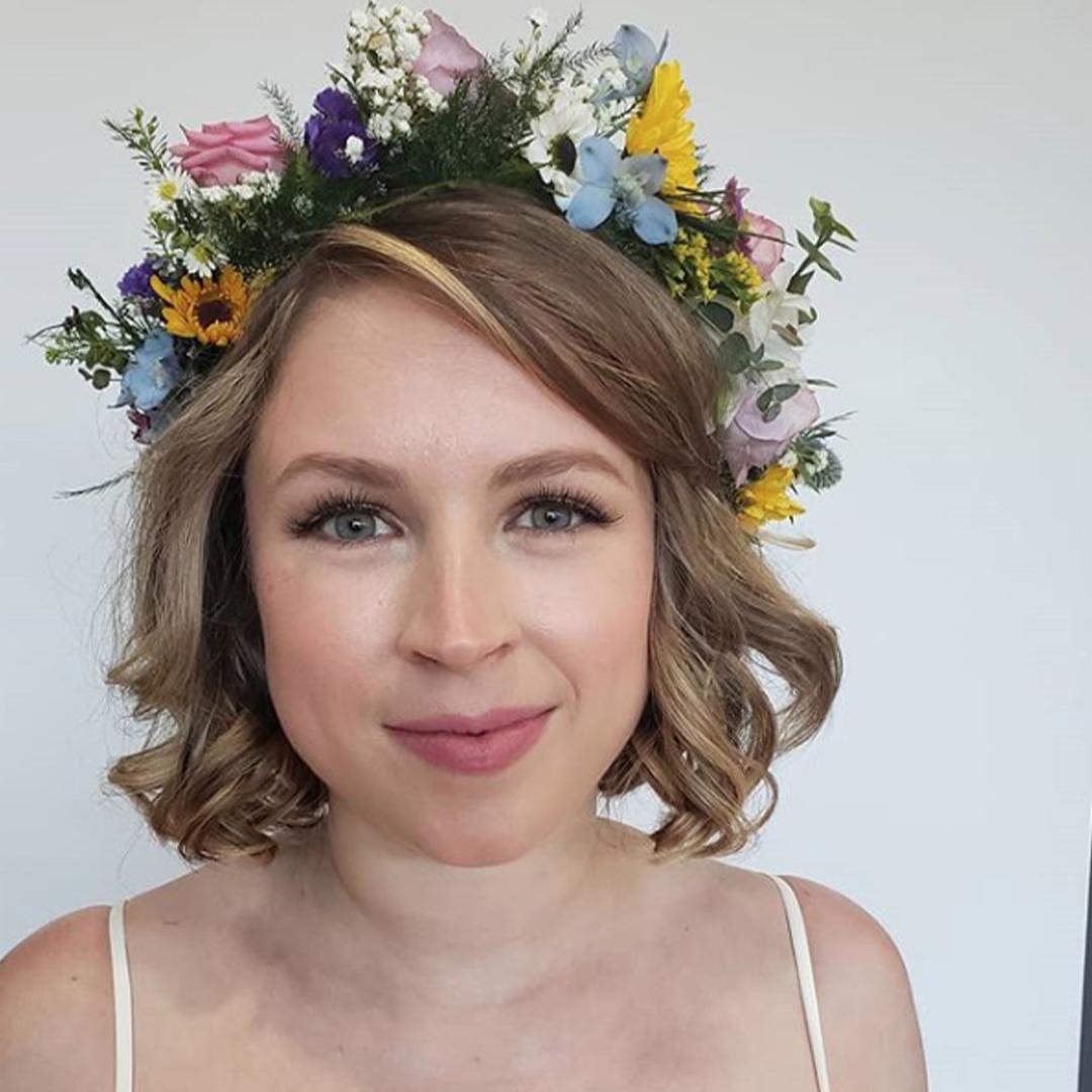 Light makeup look with rose lipsticks