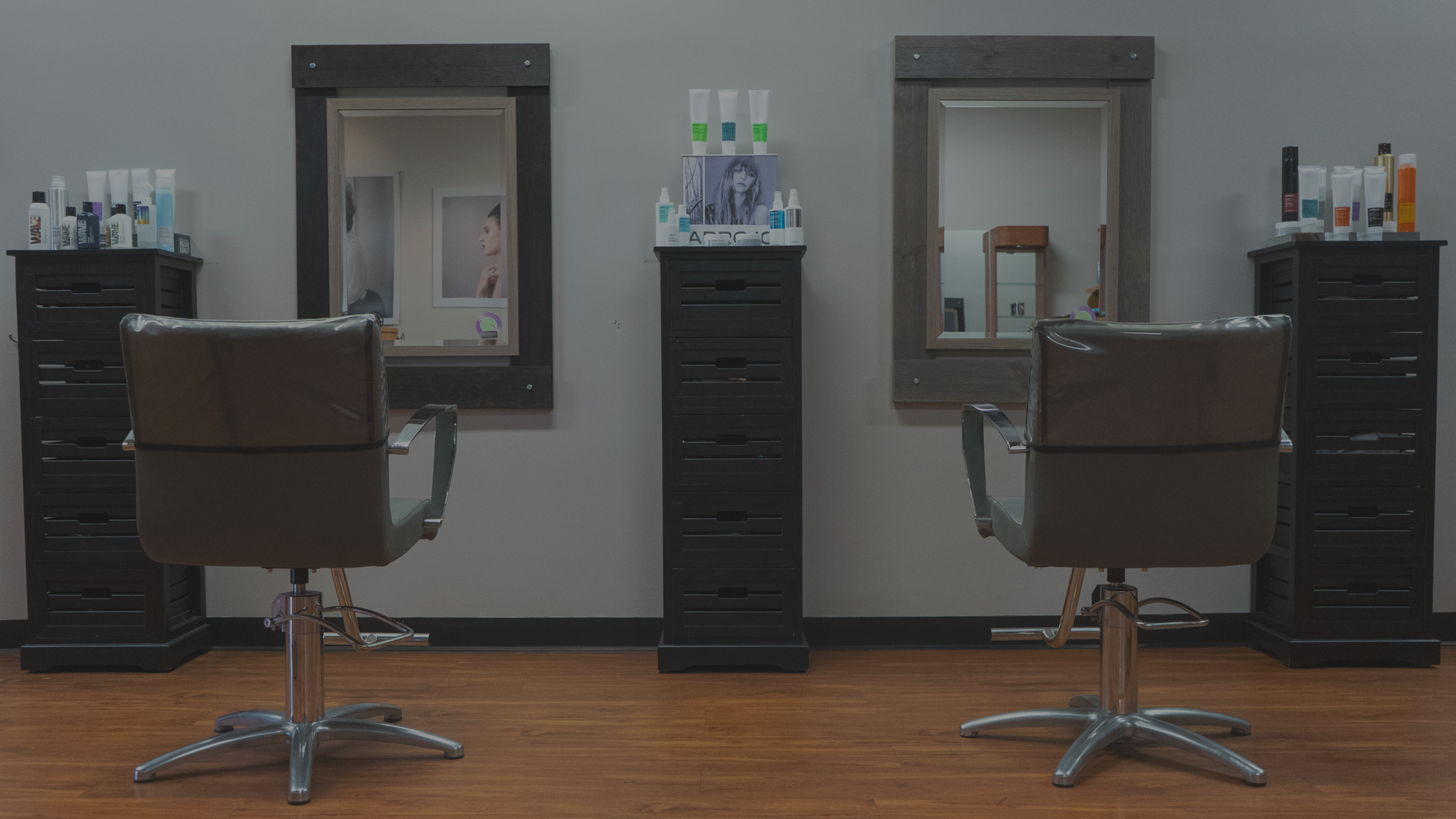 Salon Image of chairs and mirror.