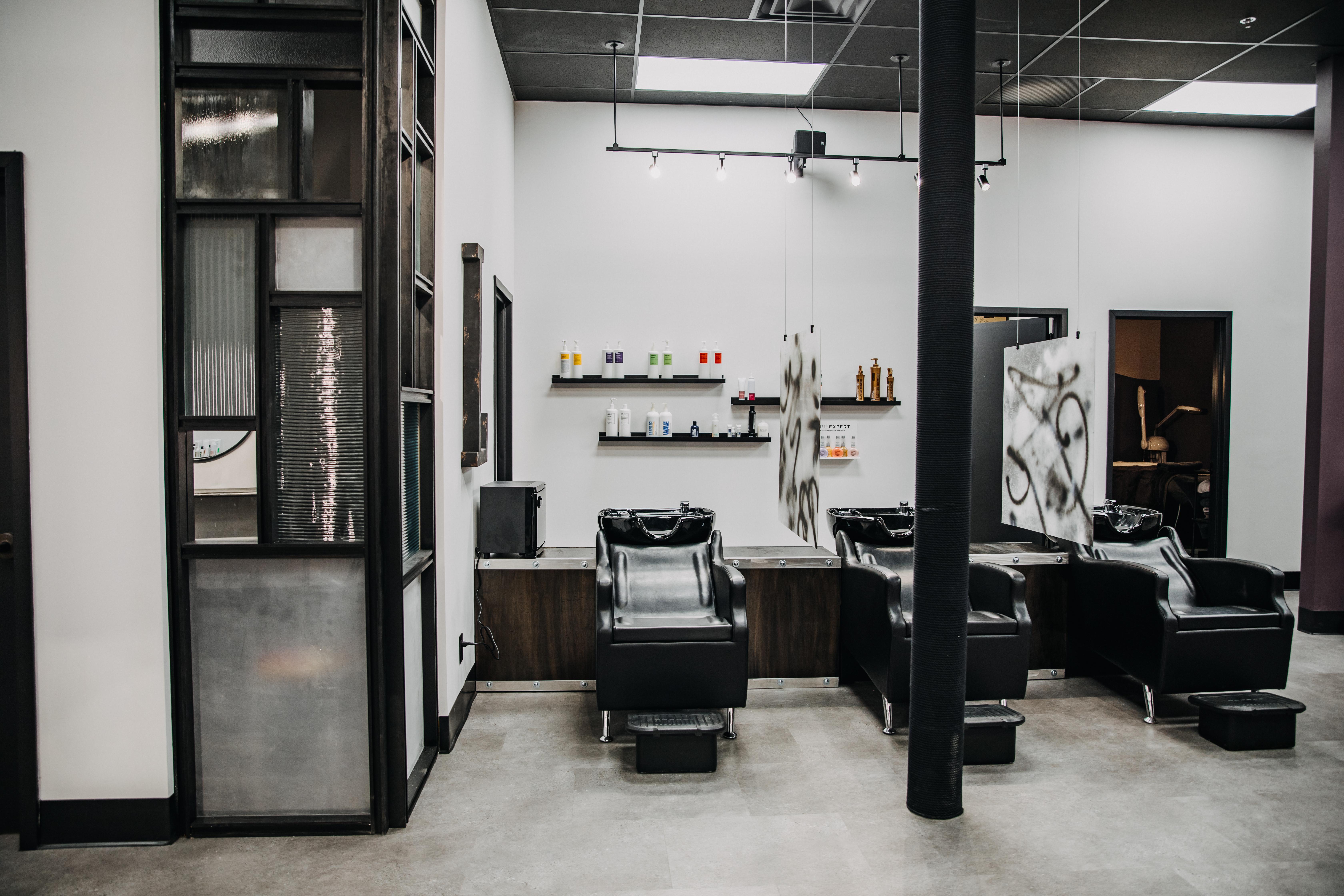 The L Salon hair washing section